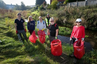 River Alyn clean up with the Wild About Mold project (c) Flintshire Leader